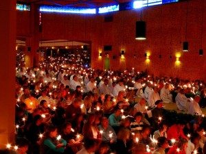Taize2_candlelight_service